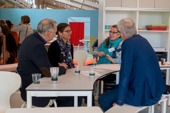 gesprek in kleine groepjes