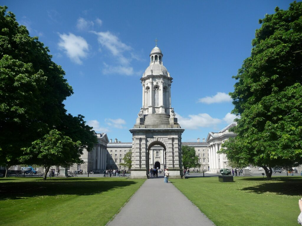 Trinity college - Dublin - Afbeelding van h s via Pixabay